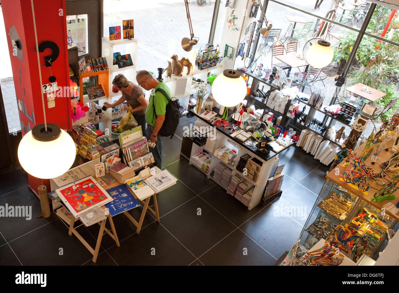 Bauhaus Shop In Tel Aviv Stockfoto Bild 61616566 Alamy