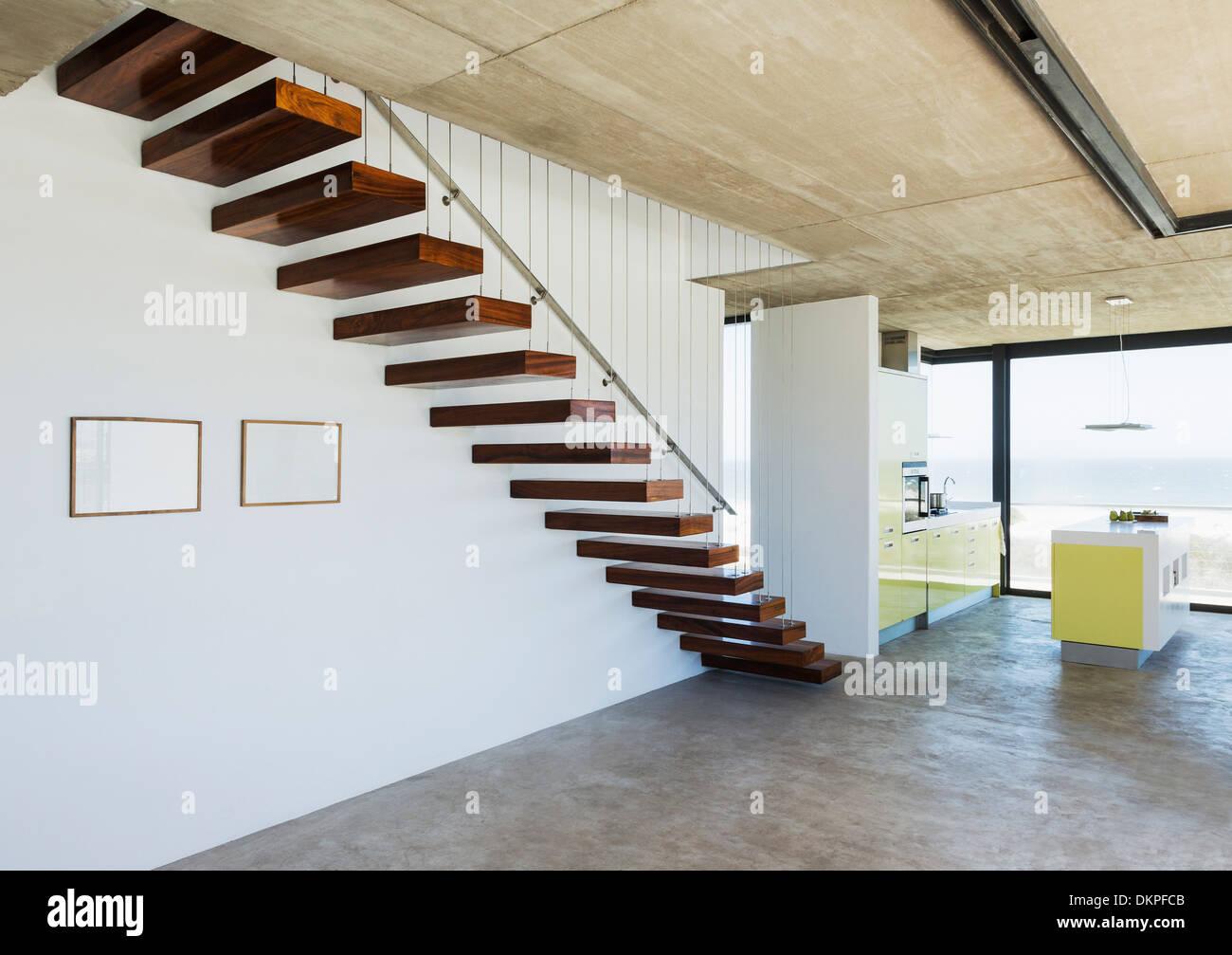 Wunderschön Schwebende Treppe Referenz Von In Modernes