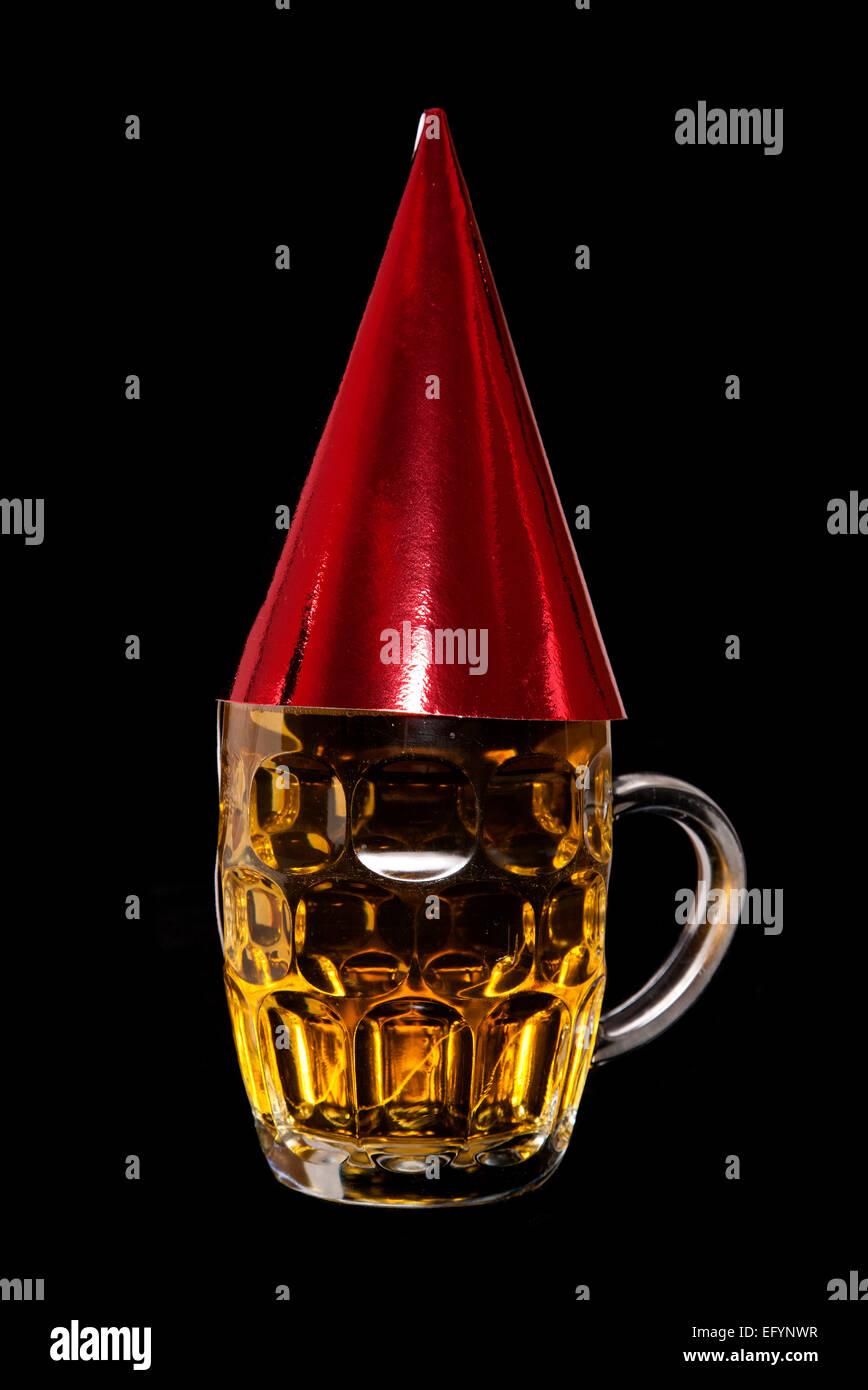 Pint Bier Mit Geburtstag Party Hut Ausschnitt Stockfoto Bild