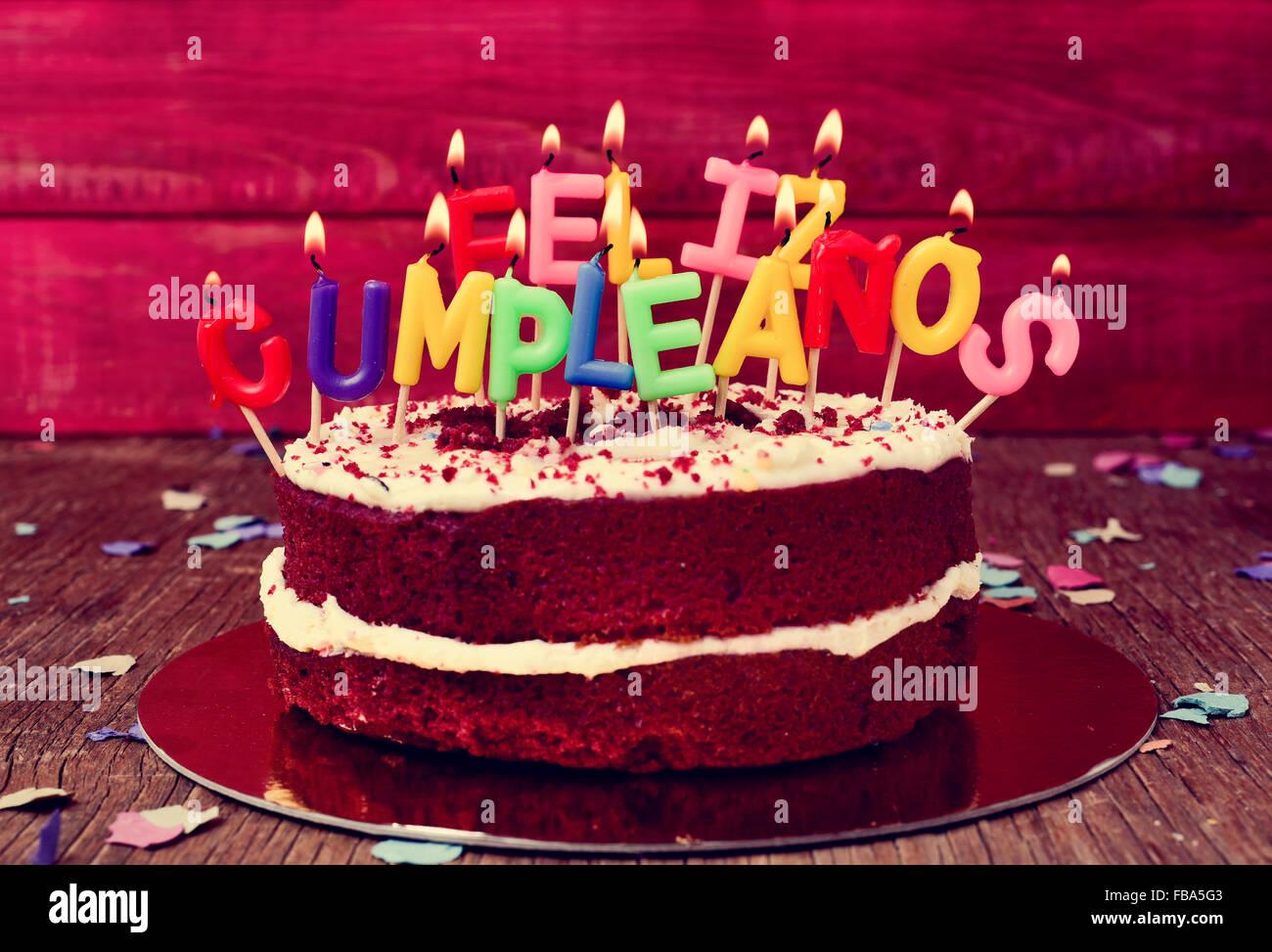 Ein Kuchen Garniert Mit Einigen Kerzen Brief Form Bildet Der Text