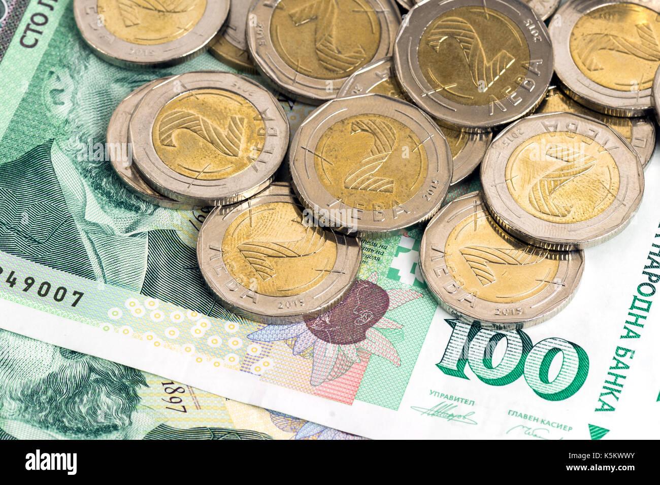 Bulgarische Geld Banknoten Und Münzen Stockfoto Bild 158404007