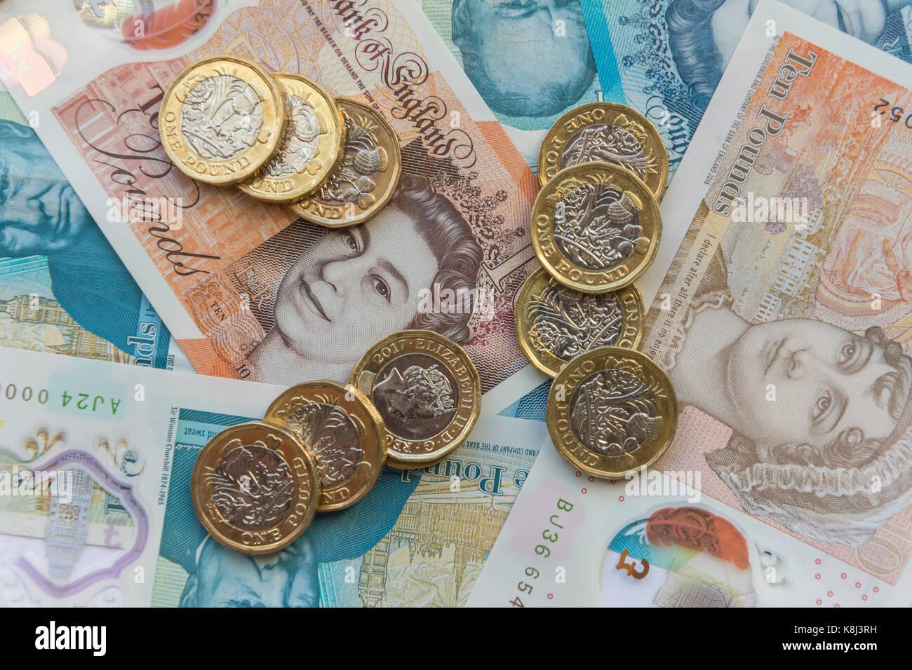 Neue Britische Währung Ein Pfund Münzen Fünf Pfund Und Zehn Pfund
