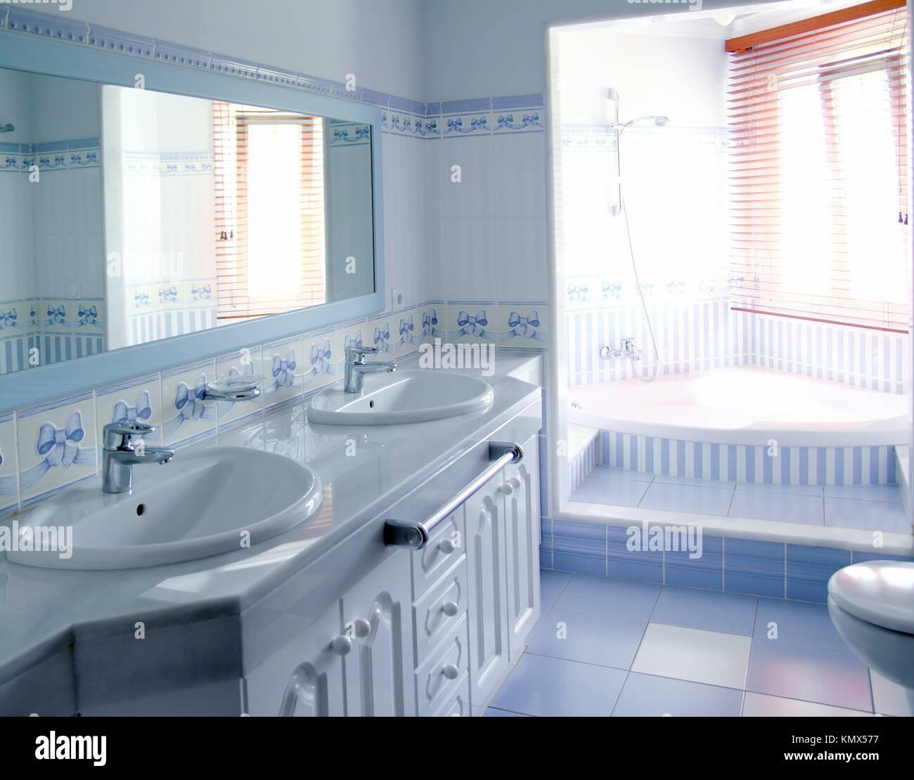 Klassischen Blauen Badezimmer Interieur Fliesen Dekoration