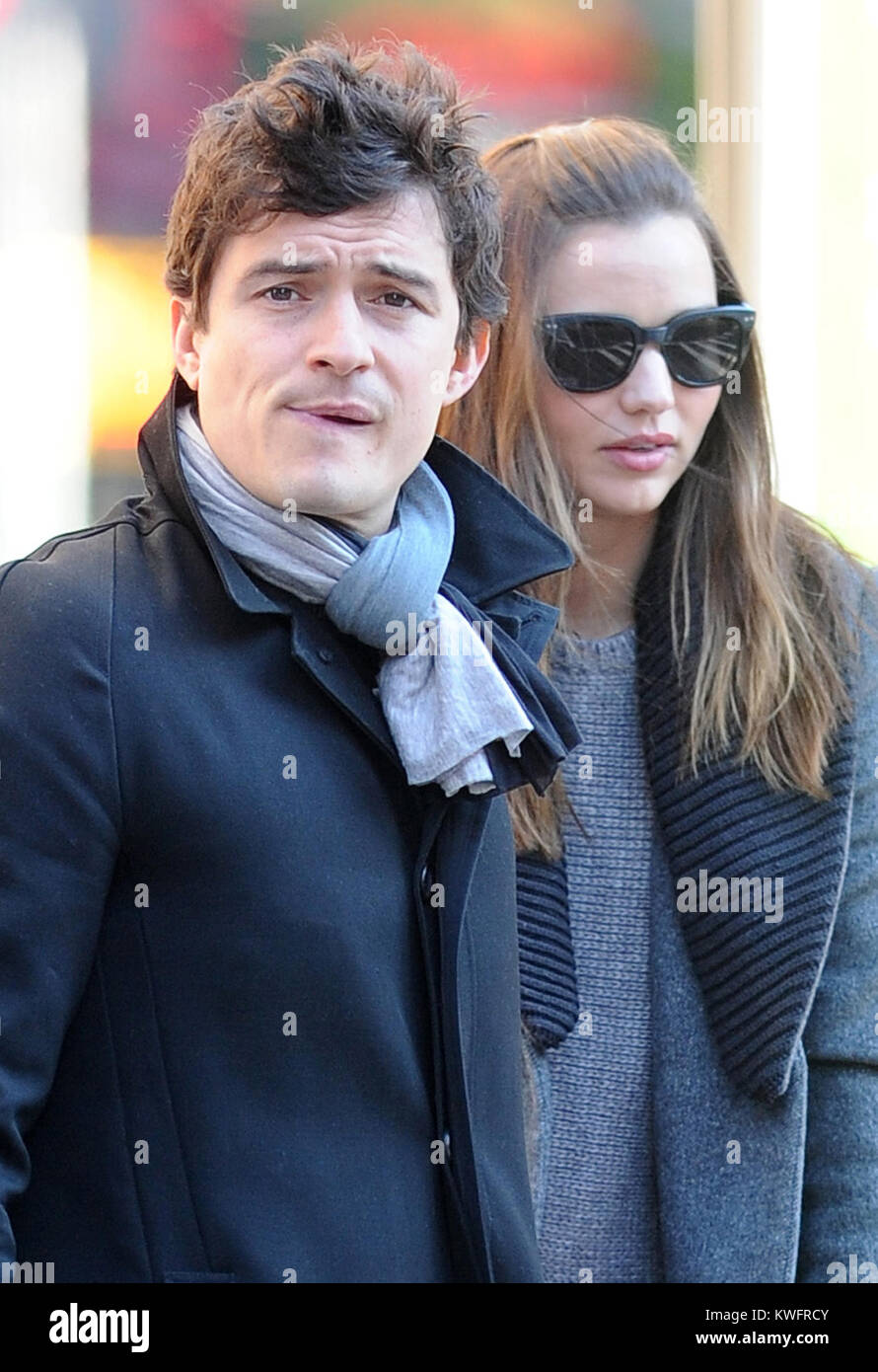New York 30 Oktober Orlando Bloom Und Frau Miranda Kerr Cover Up