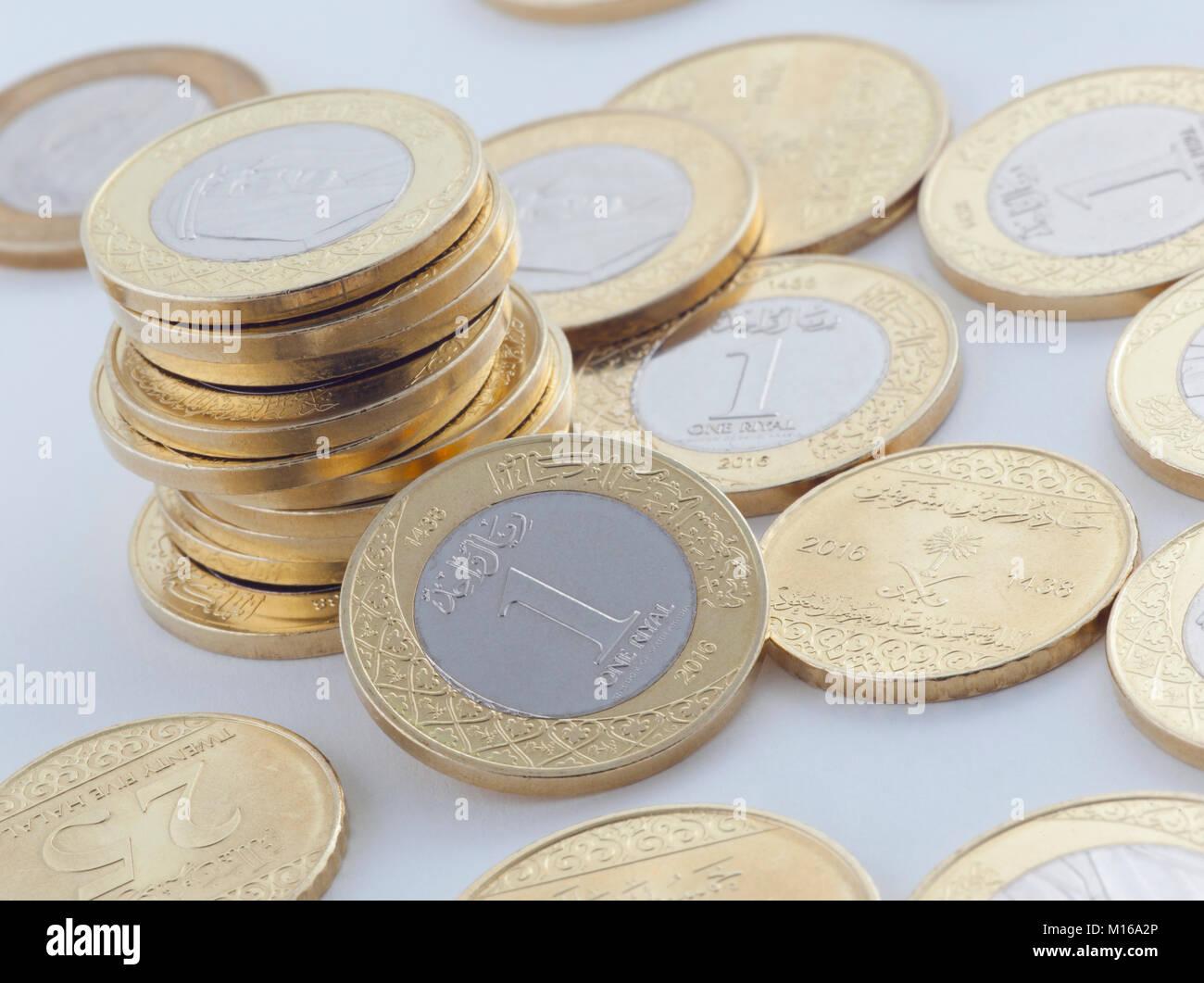 Neue Saudi Riyal Und Halalas Münzen Zeigen König Salman Von Saudi