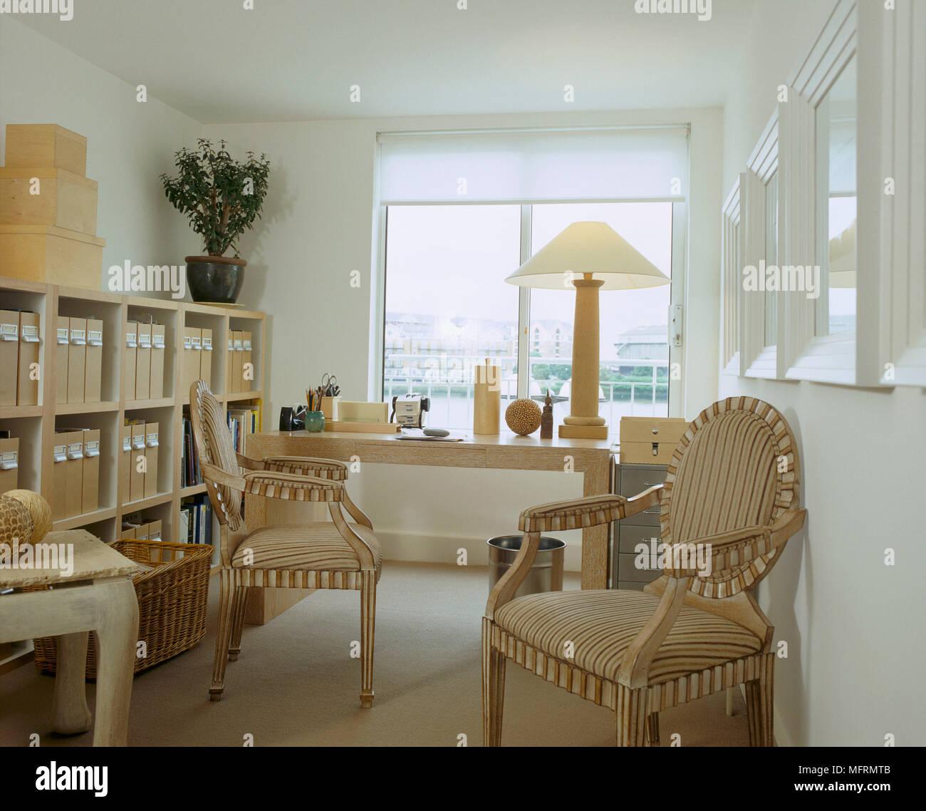 Ein Modernes Buro Arbeitszimmer Mit Tabelle Zeitraum Sessel Regale