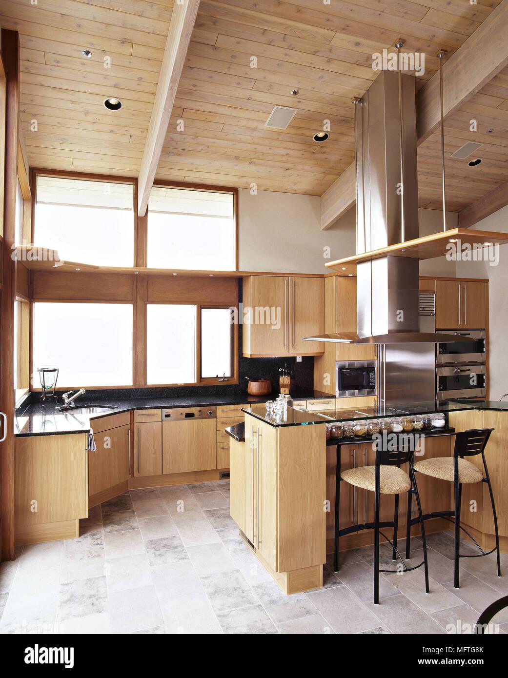 Moderne Küche Holz Decke Holz Einheiten Edelstahl Dunstabzugshaube