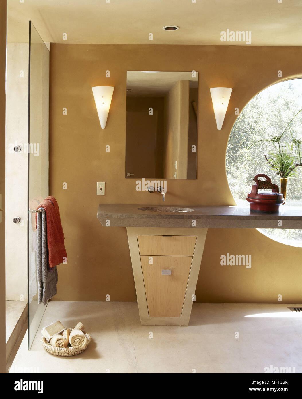 Moderne Orange Badezimmer Detail Runden Fenster Waschbecken Aus