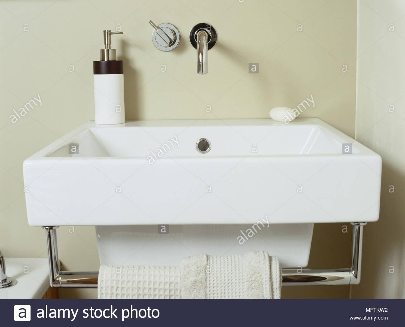 Ein Detail Einer Modernen Neutralen Badezimmer Wand Waschbecken Mit
