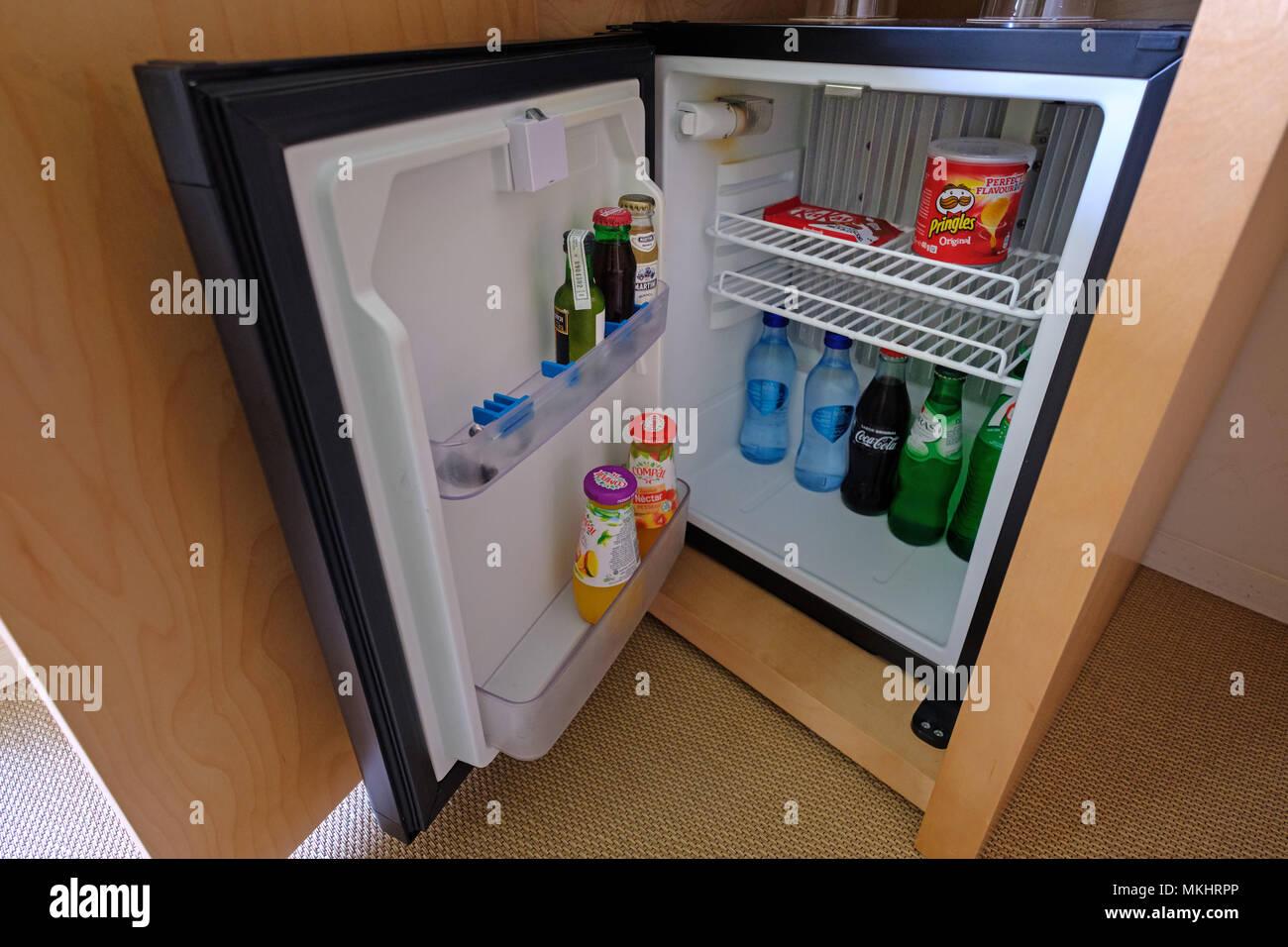 Mini Kühlschrank Mit Fenster : Mini kühlschrank mit fenster: kleiner kühlschrank wohnzimmer mini