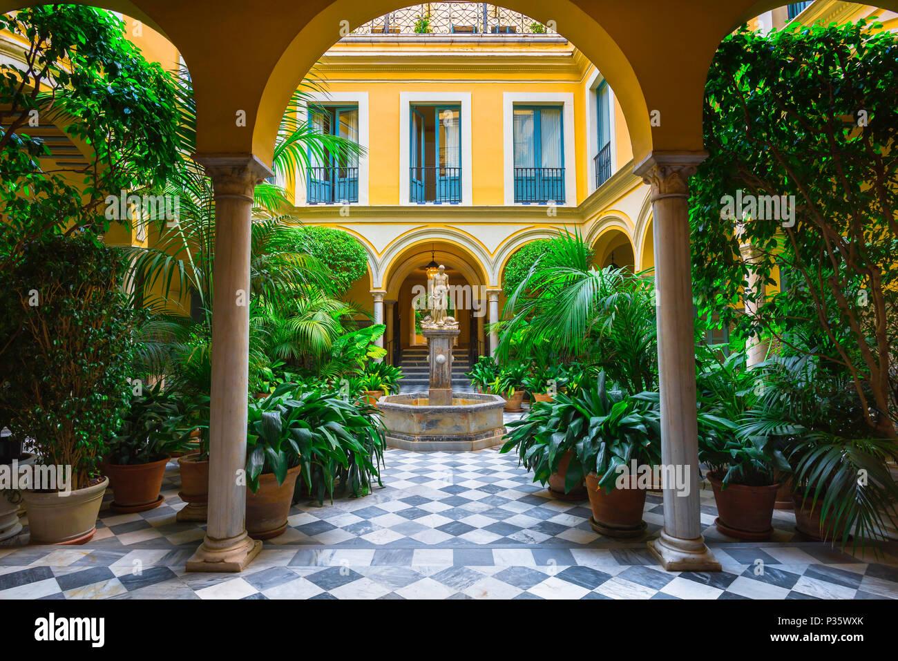 Andalusien Spanien Haus Ein Typisch Andalusischer Innenhof Und