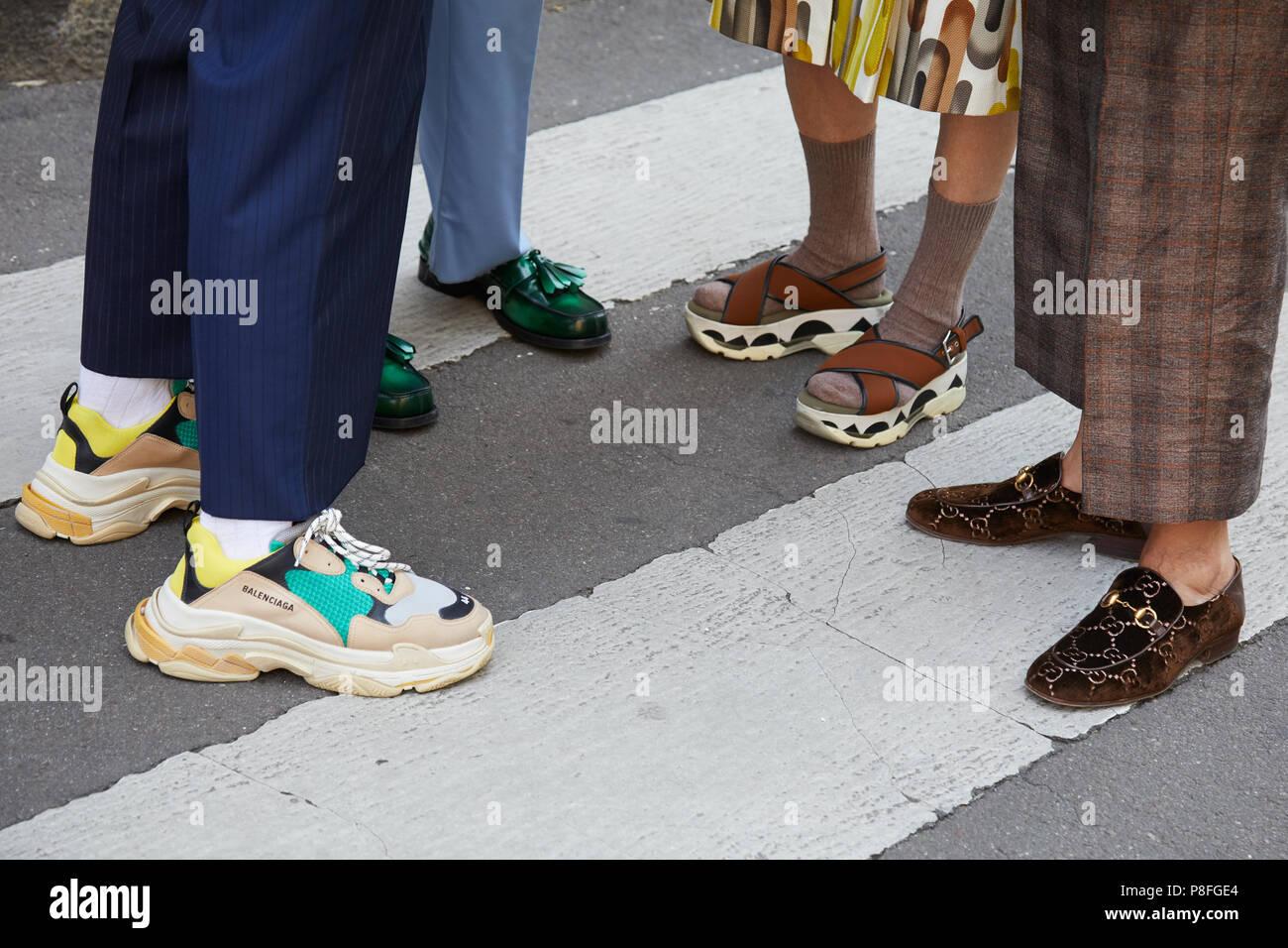 Mailand 16 Juni Menschen Mit Balenciaga Gucci Und Mode Schuhe