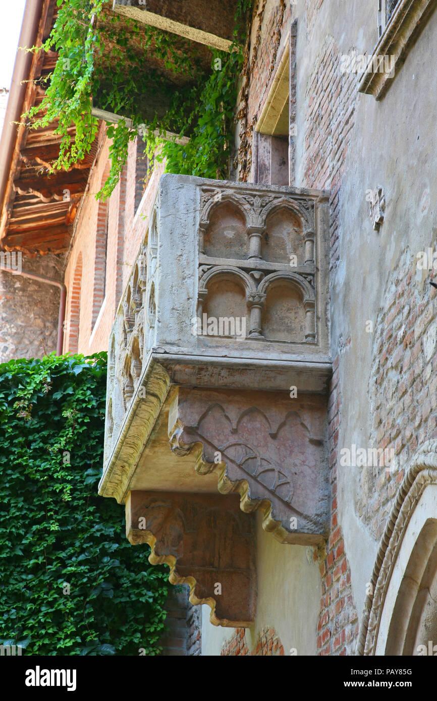Details Romeo Und Julia Balkon In Verona Italien Stockfoto Bild