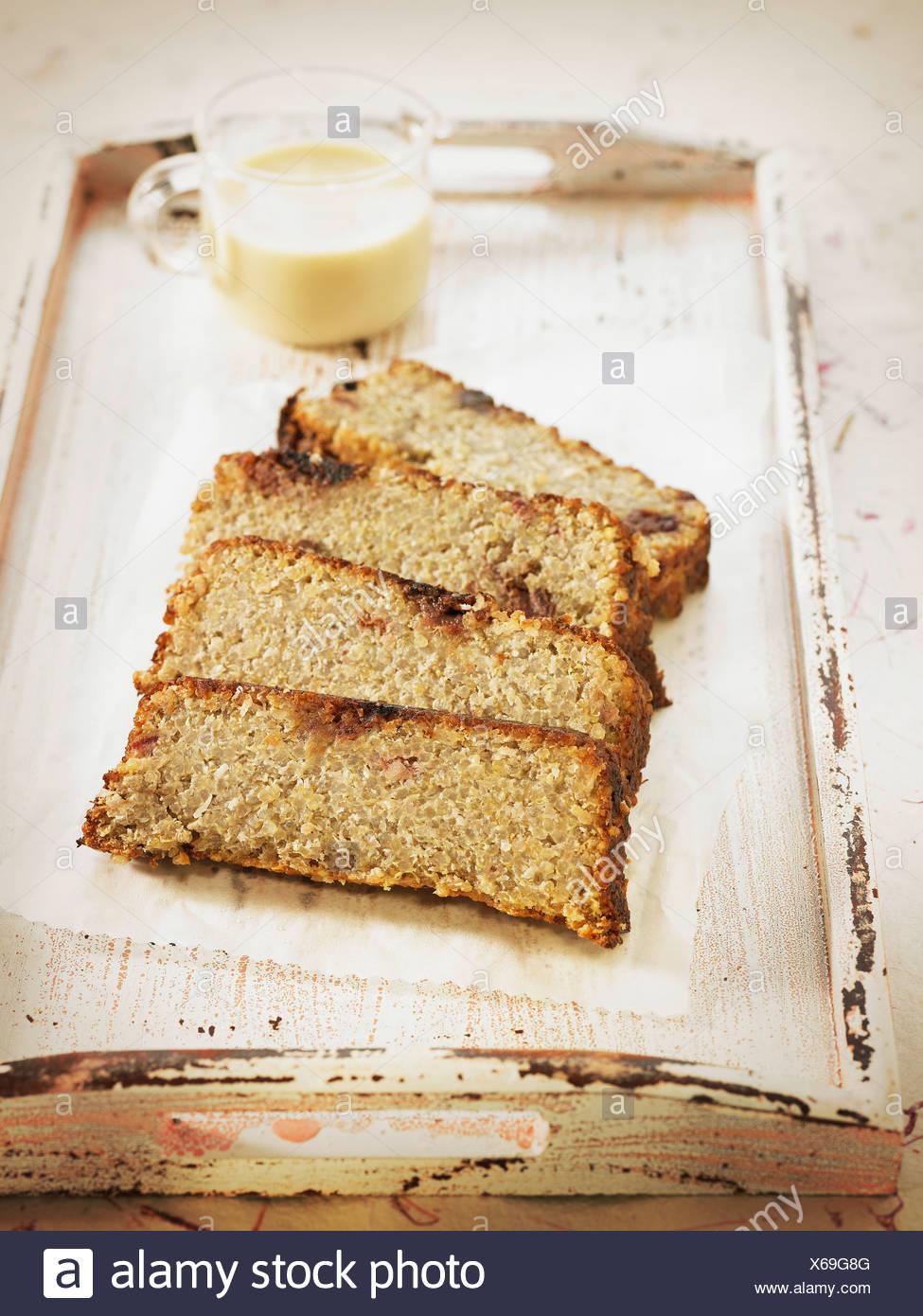 Quinoa Banane Traube Und Soja Milch Kuchen Stockfoto Bild