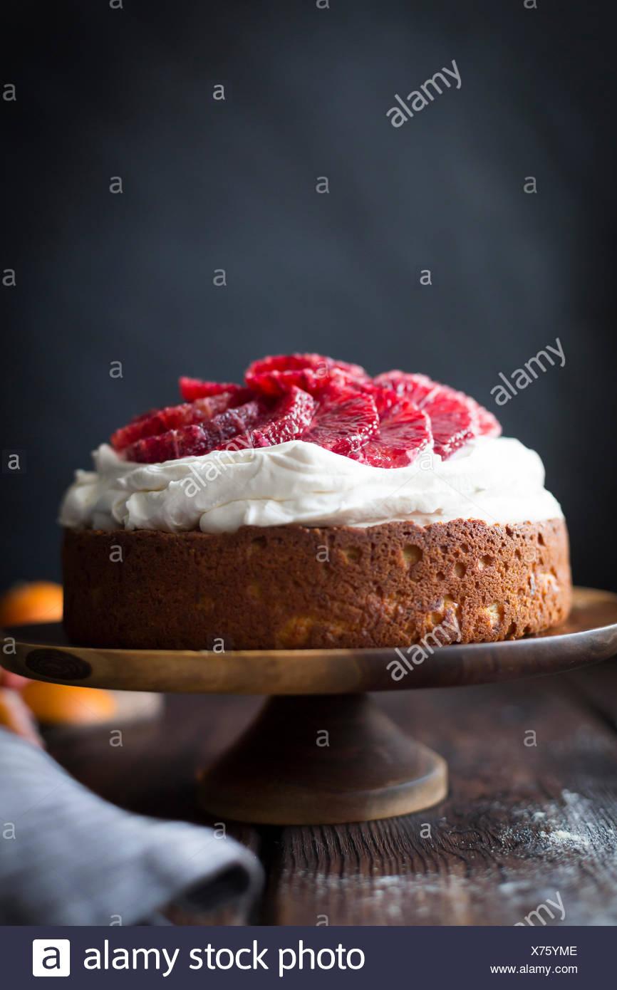 Blutorange Maismehl Ricotta Kuchen Mit Schlagsahne Mascarpone
