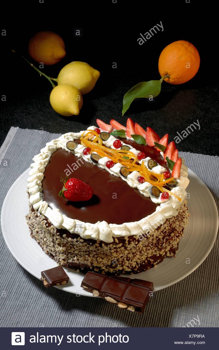 Engels Haar Kuchen Mit Schokoladenglasur Stockfoto Bild 280159134