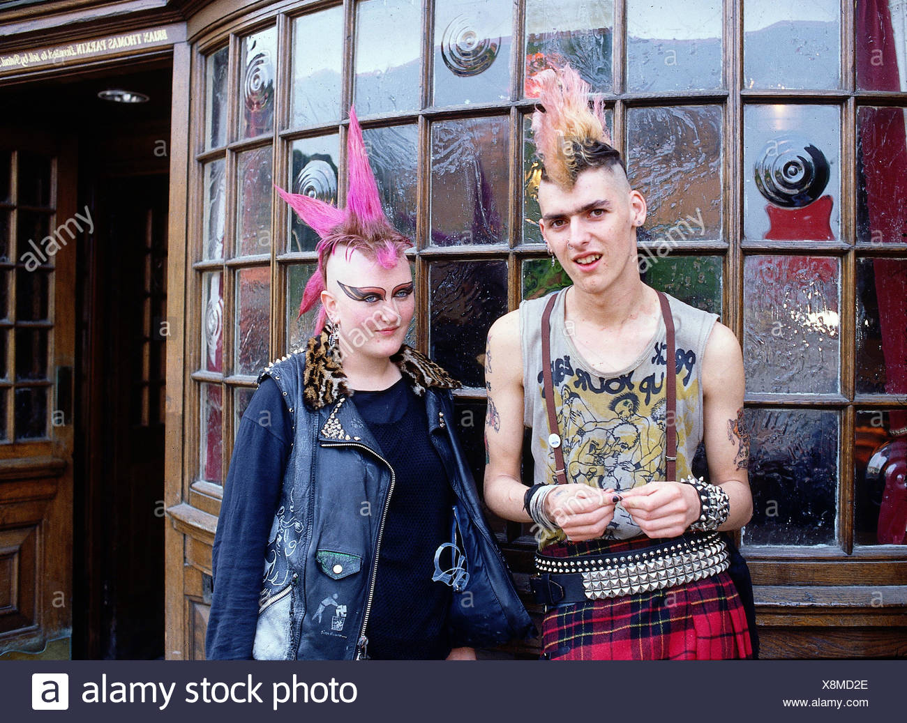 Menschen Zwei Punks Halbe Länge London Kensington Market 1980er