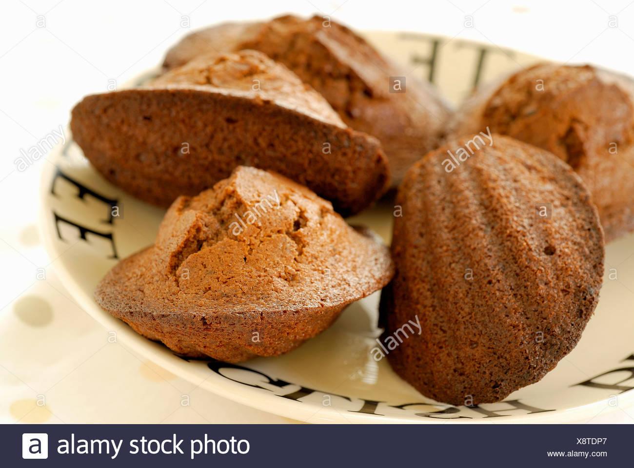 Schokolade Madeleines Kleine Franzosische Kuchen Stockfoto Bild