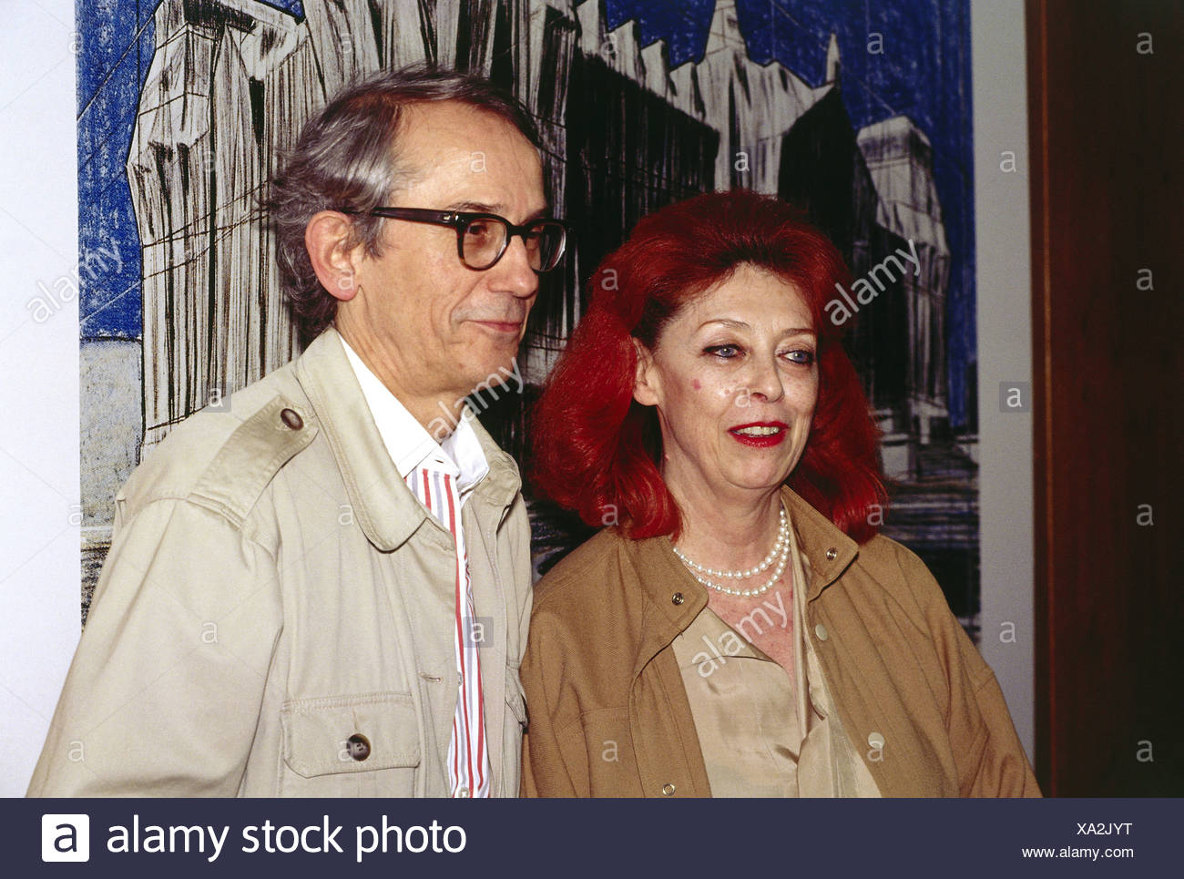 Christo, * 13.6.1935, Bulgarian artist, half length, with his wife Jeanne-Claude, project 'Covered Reichstag', panel discussion, Stockbild