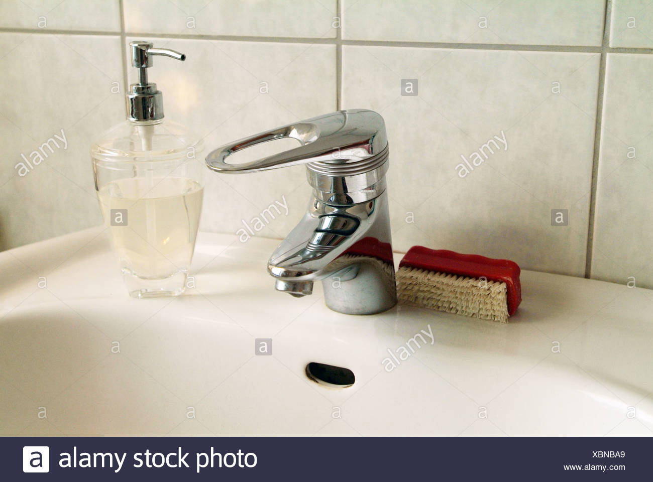 Hamburg-Waschbecken im Badezimmer Stockfoto, Bild: 282597009 - Alamy