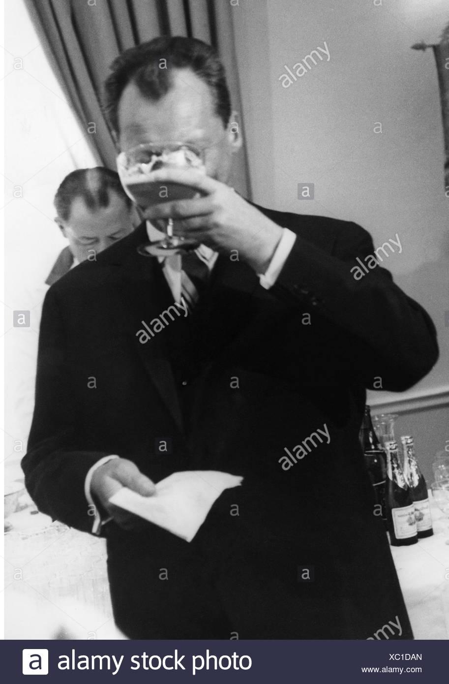 Brandt, Willy, 18.12.1913 - 8. 10.1992, German politician (SPD), Governing Mayor of Berlin 3.10.1957 - 1.12.1966, visit to New Stockbild