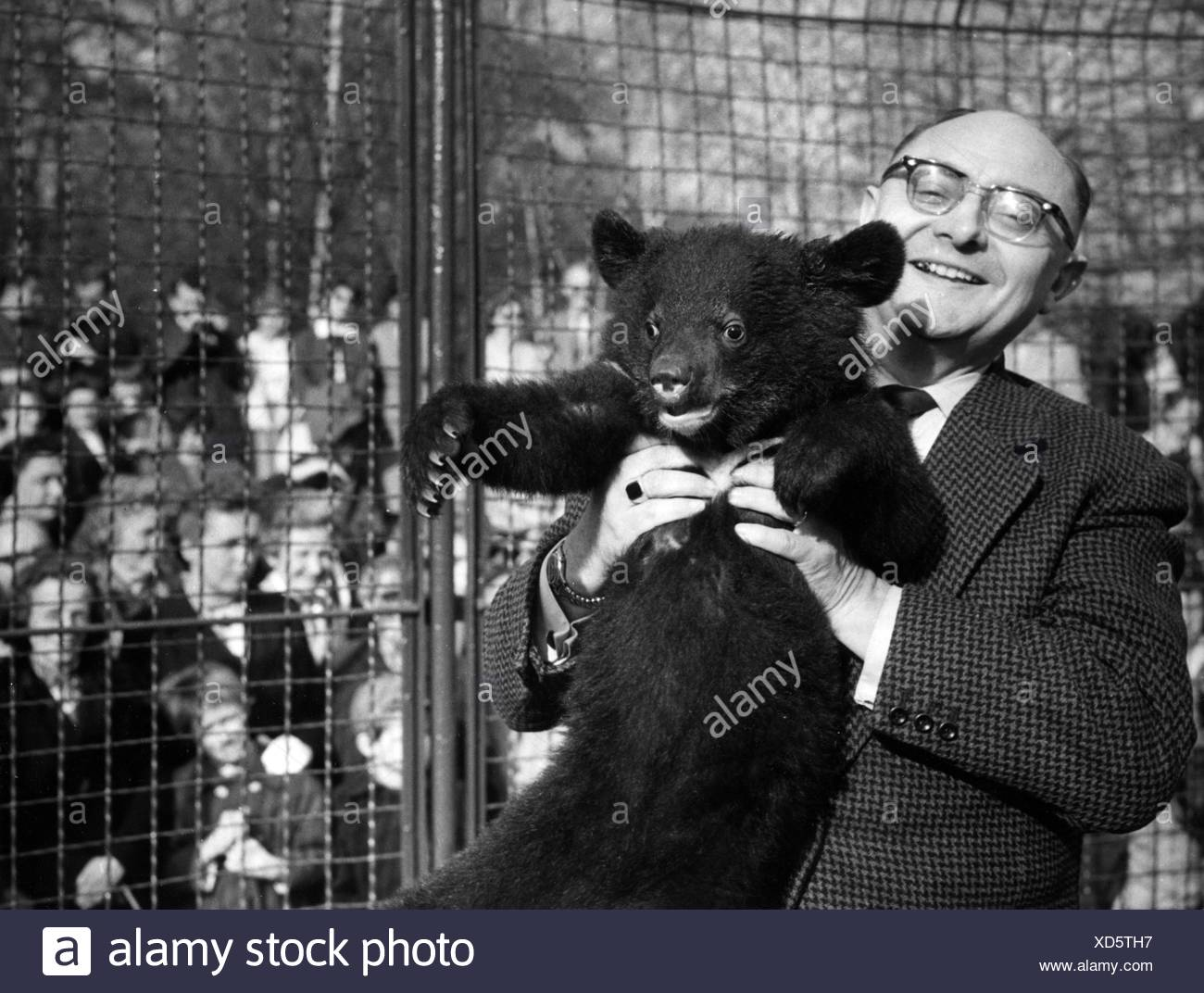 Dathe, Heinrich, 7.11.1910 - 6.1.1991, German zoologist, director of the zoo in Berlin Friedrichsfelde 1954 - 1990, half length, Stockbild