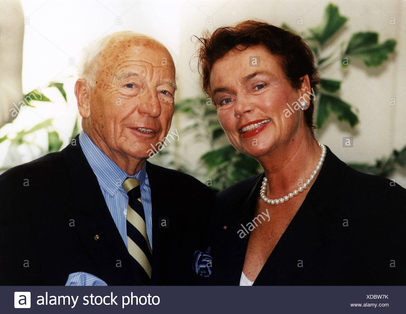 Scheel Walter * 8.7.1919, German politician (FDP), portrait, with his wife Barbara, on occasion of his 60th birthday in Berlin, Stockbild