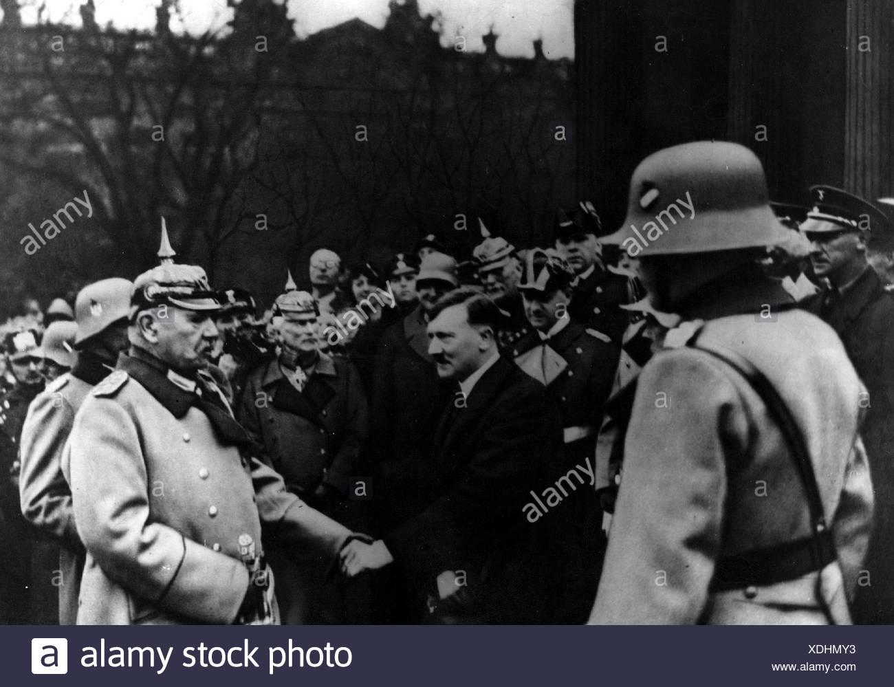 Hitler, Adolf, 20.4.1889 - 30.4.1945, German politician (NSDAP) Chancellor since 30.1.1933, half length, with statesman Paul von Stockbild