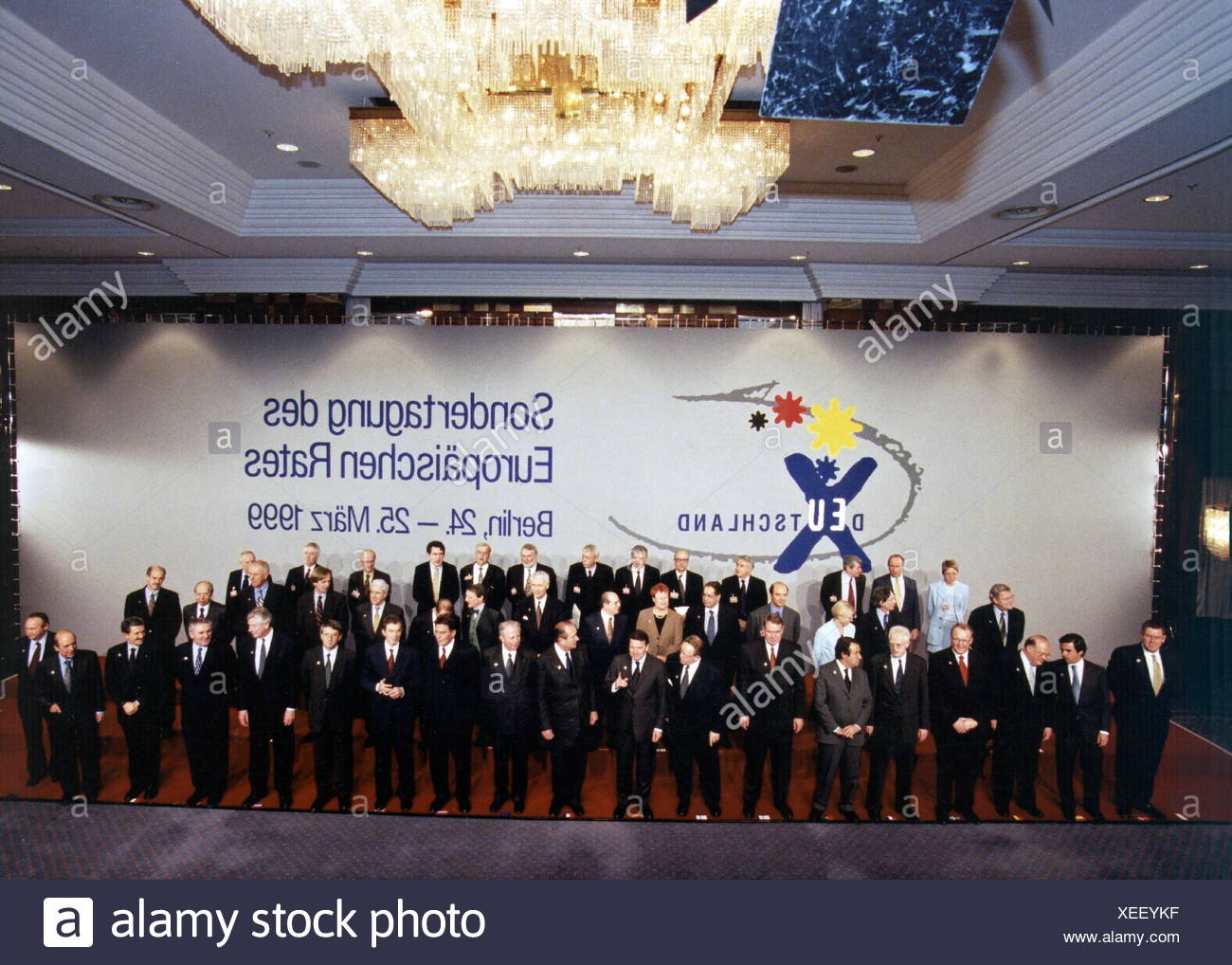 politics, conferences, 1999, special conferece of the European Council, group picture of member, Berlin, 24. - 25.3.1999, Additional-Rights-Clearences-NA Stockbild