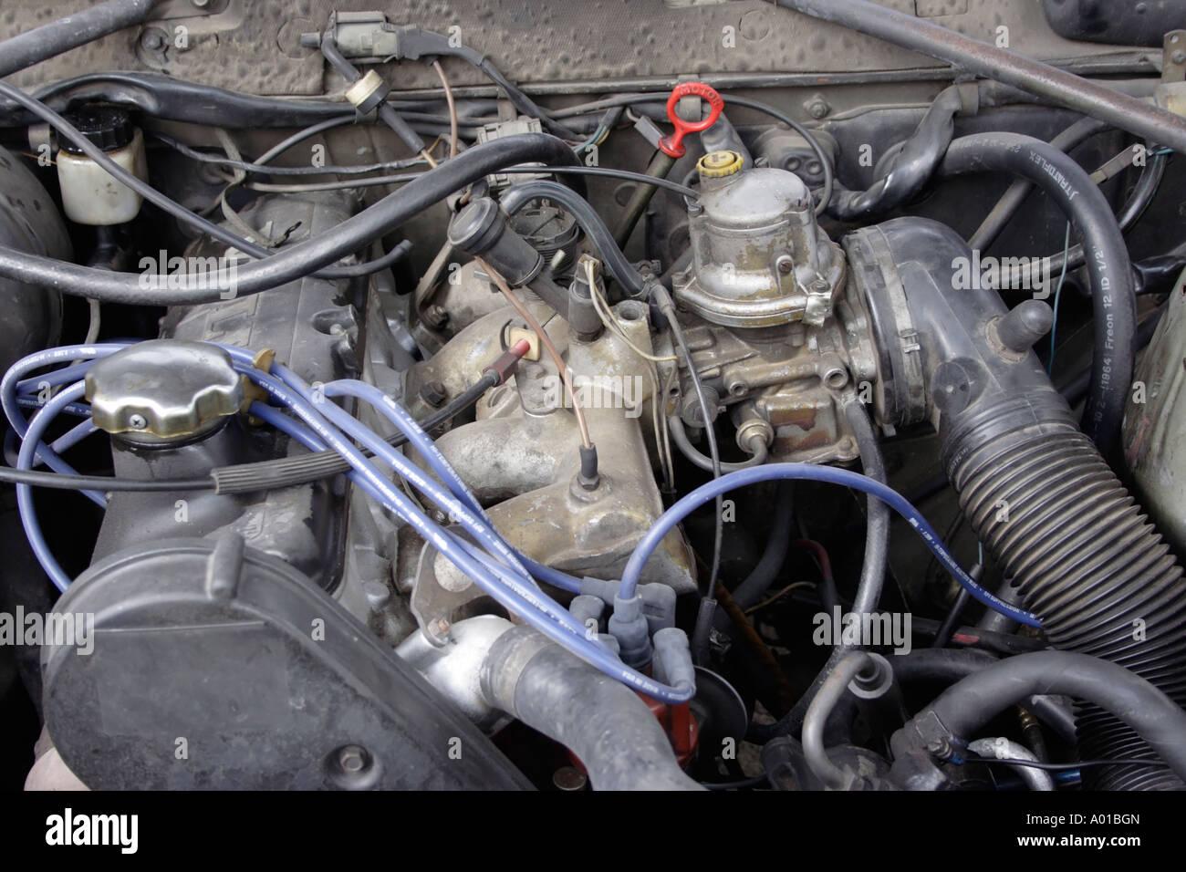 Engine Motor Carburettor Car Engine Stockfotos & Engine Motor ...