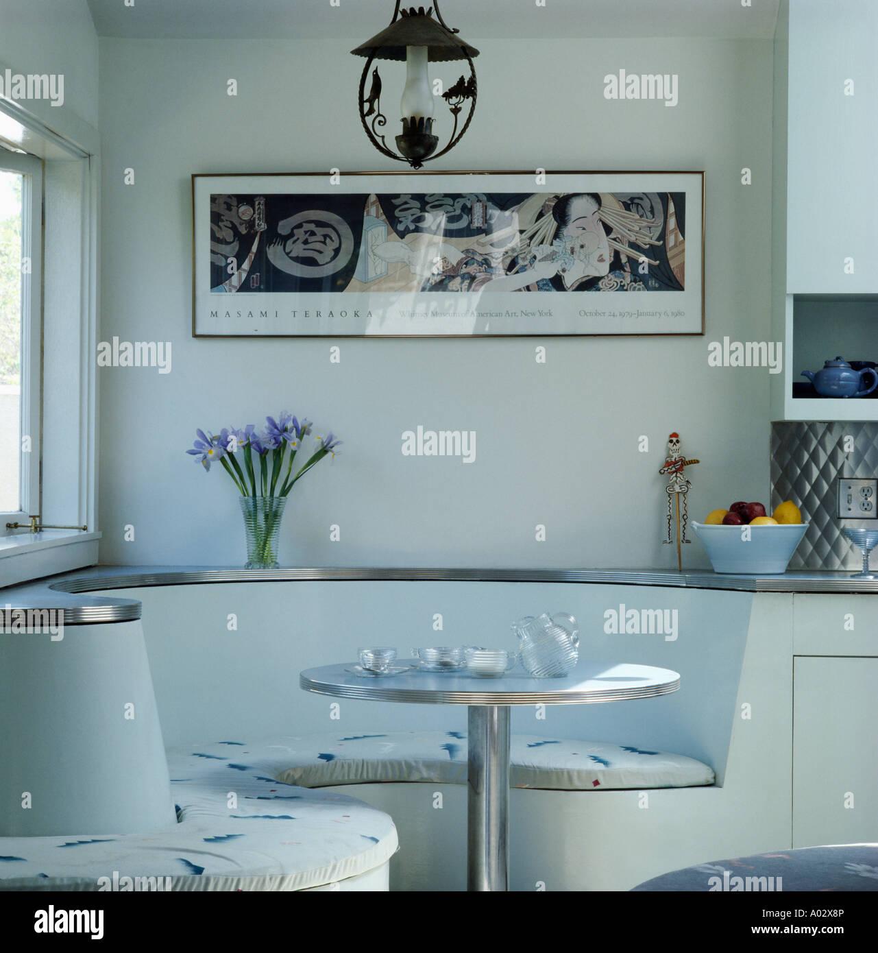 integrierte fifties bankett bestuhlung unter gerahmten schwarz wei bild im weien diner mit kreisfrmigen - Esstisch Mit Bankettbestuhlung
