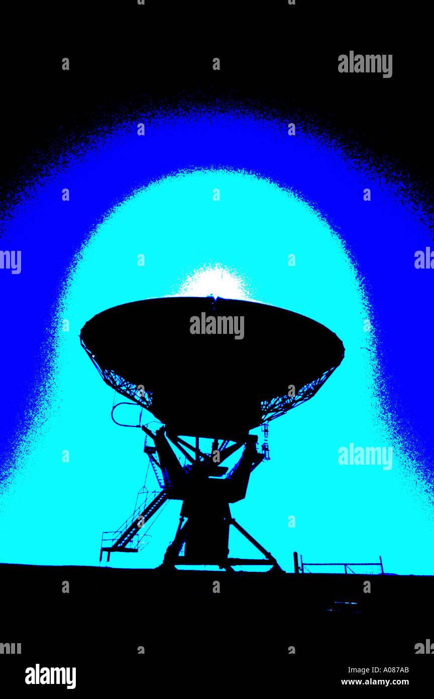 Legen Sie Antenne Sender Empfänger Verbindung Richtung Satelliten-Übertragung Antenne Radio Radio antenne Stockbild