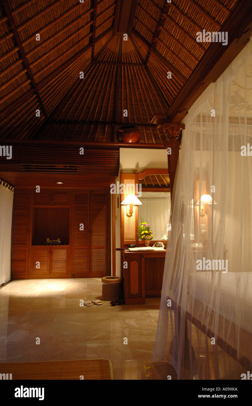Balinesische Luxus Hotel Schlafzimmer Mit Himmelbett Und Moskitonetz