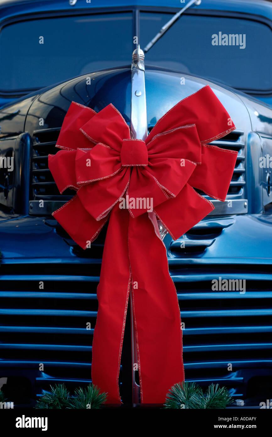Weihnachten-Band auf der Vorderseite ein Dodge Powerwagon im Walter ...