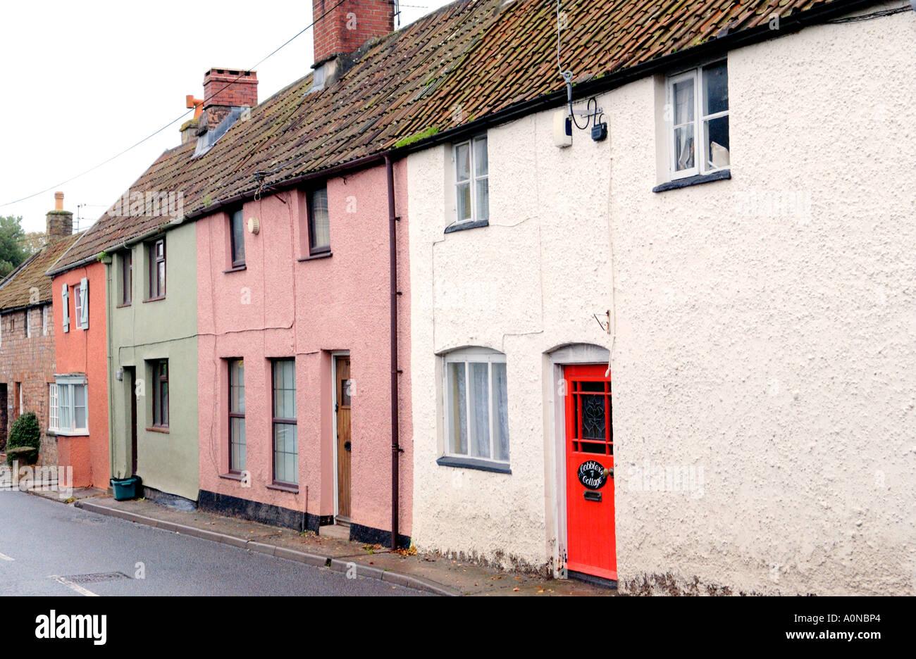 Reihe von Landhäusern im Dorf von Chew Magna in der Nähe von Bristol England UK Stockbild