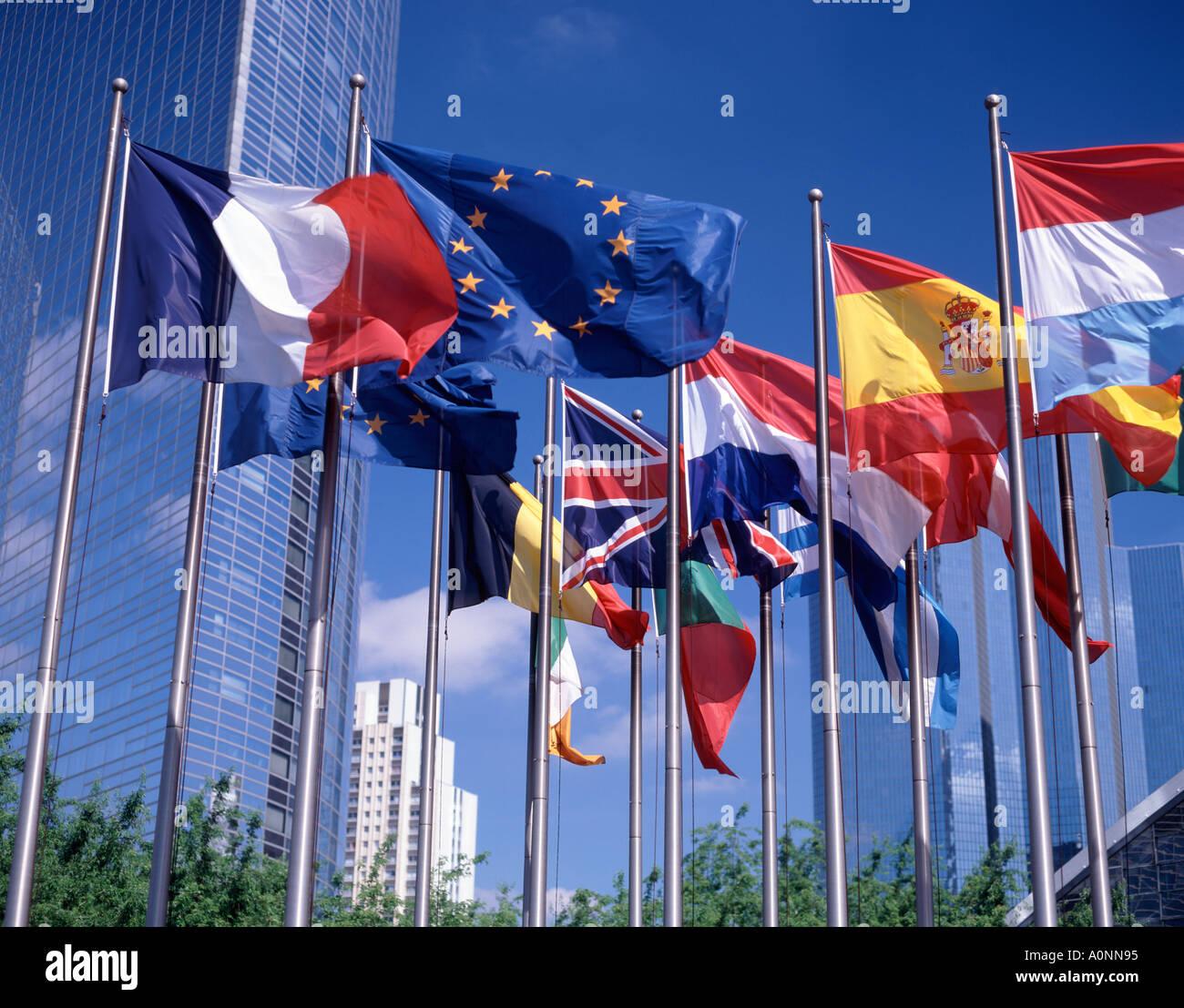 Europäische Union Flaggen, La Défense, Paris, Frankreich Stockbild