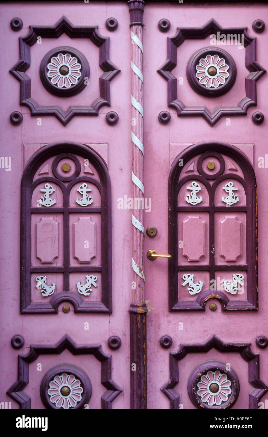 Pink Door Frame Stockfotos & Pink Door Frame Bilder - Alamy