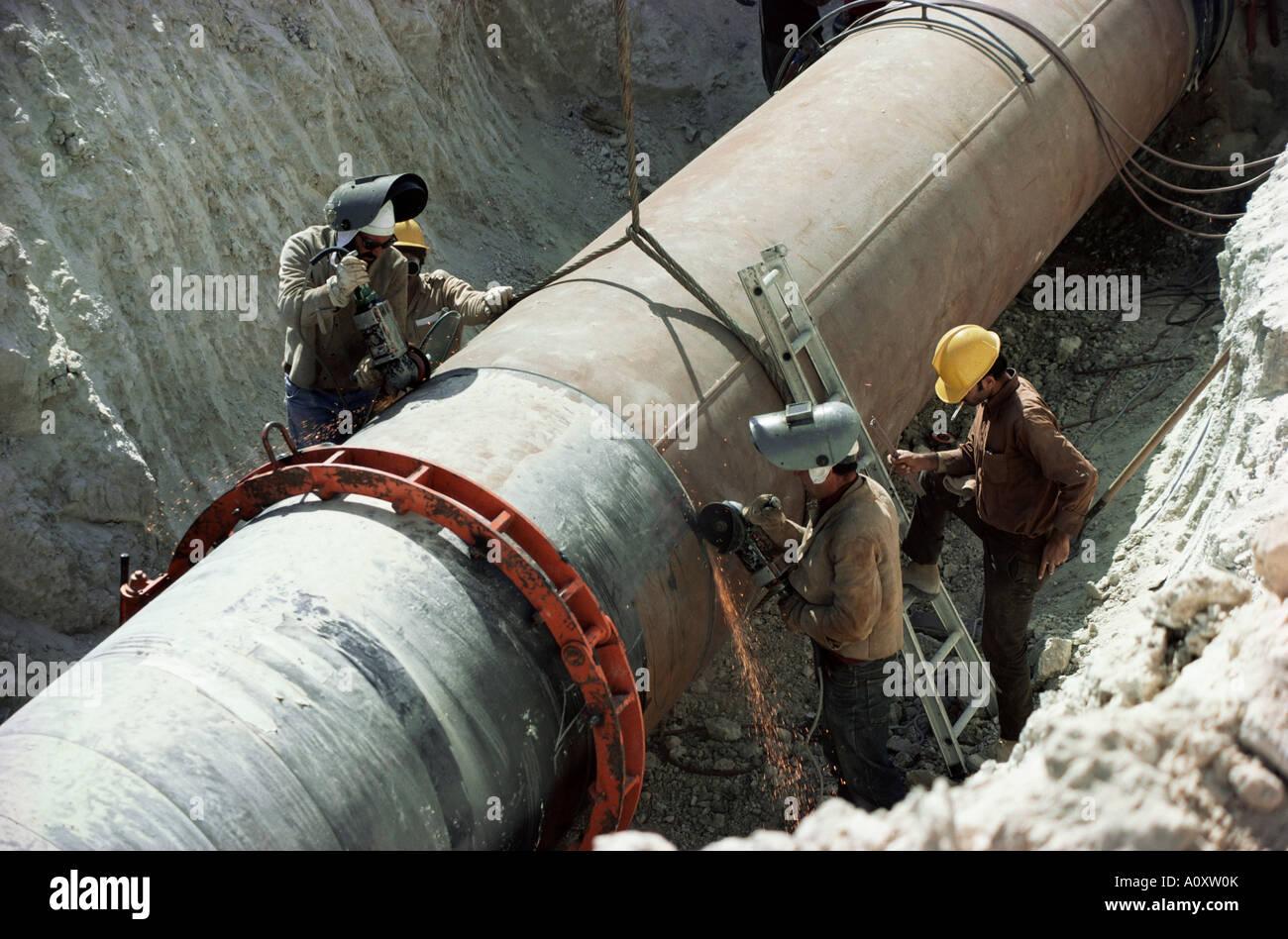 saudi-arabien nahost rohre verlegen gas stockfoto, bild: 10087506