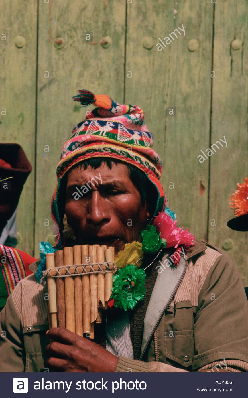 Bolivien Anden Quechua Indianer Spielen Die Bambus Querflote Die