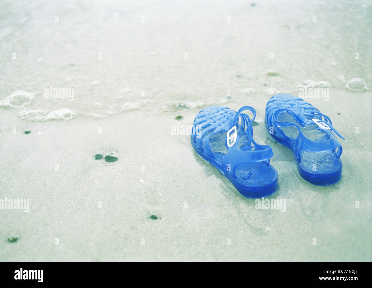 a36e9956f89b5a Keine Schuhe Stockfotos   Keine Schuhe Bilder - Alamy