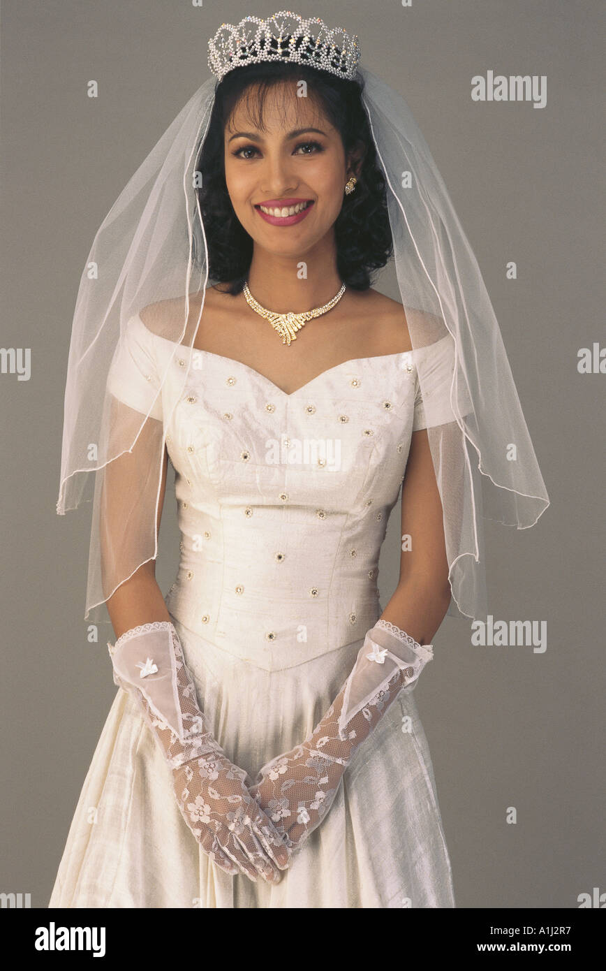 Südasiatische indische Christian Bride Hochzeit Hochzeit Kleid ...