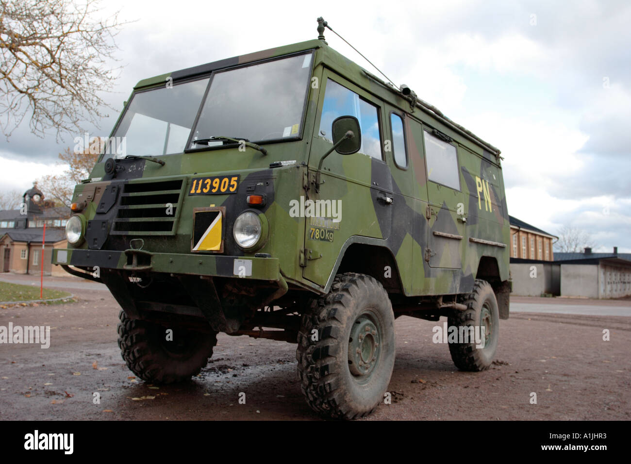 schwedische milit r jeep stockfoto bild 5870386 alamy. Black Bedroom Furniture Sets. Home Design Ideas