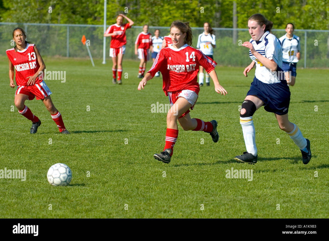 High School-weibliche Fußball-Futbol-Fußball-Action Port Huron, Michigan Stockbild
