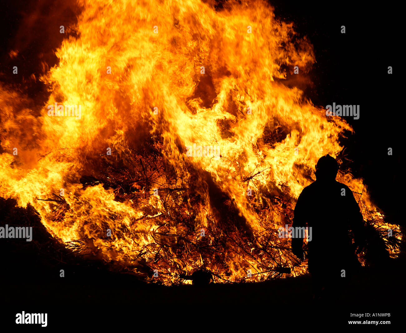 flames stockfotos flames bilder alamy. Black Bedroom Furniture Sets. Home Design Ideas