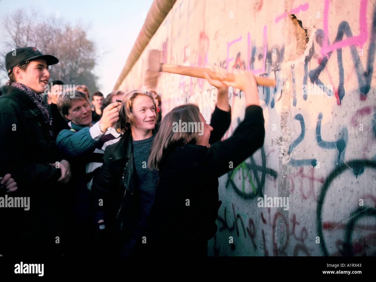 FALL DER BERLINER MAUER BERLIN DEUTSCHLAND 1989 Stockbild