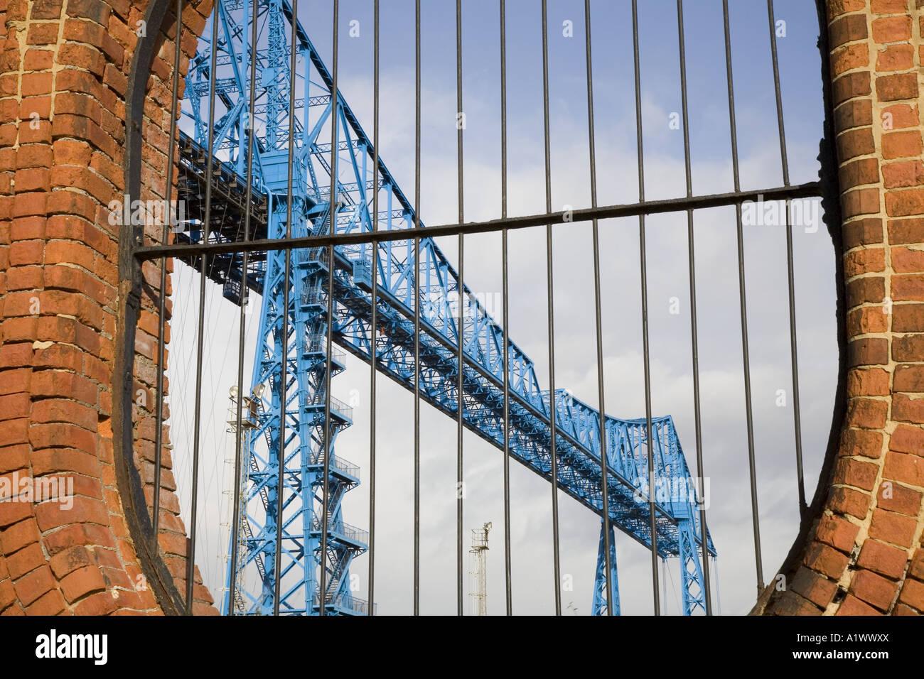 Tees Transporter Bridge, oder die Middlesbrough Transporter Aerial Transfer Ferry Bridge ist die am weitesten stromabwärts gelegene Brücke über den Fluss Tees, England Stockfoto