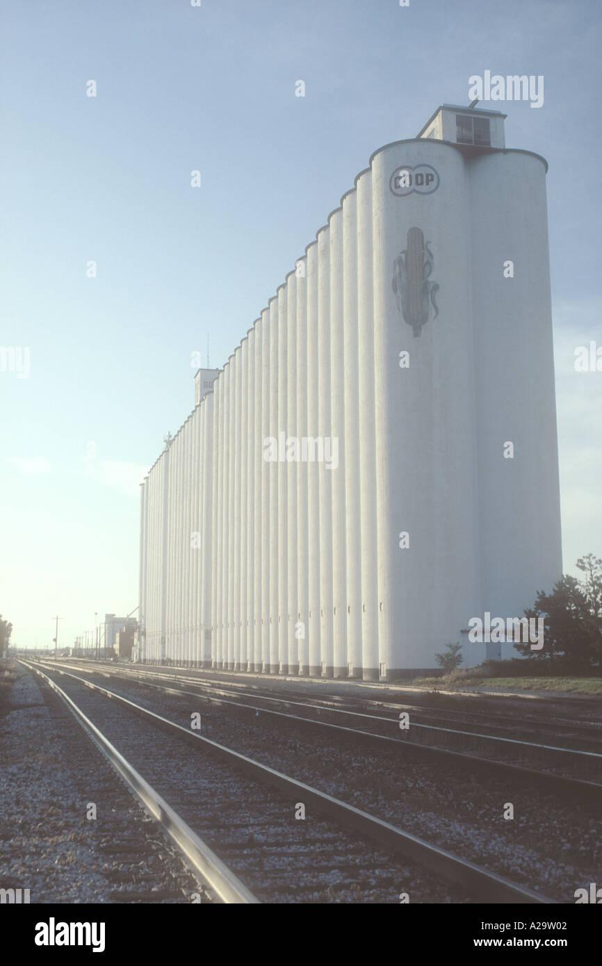 dodge ne grain elevator Grain Elevator Dodge City Kansas USA Stockfotografie - Alamy