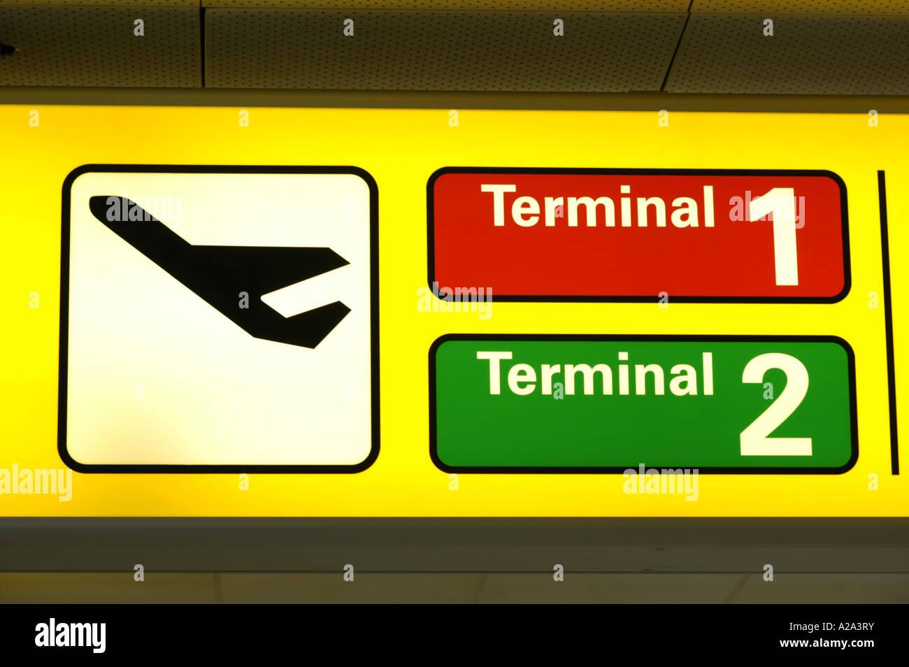 Internationalen Flughafen Wien Bei Wien Schwechat Abflug Terminal 1