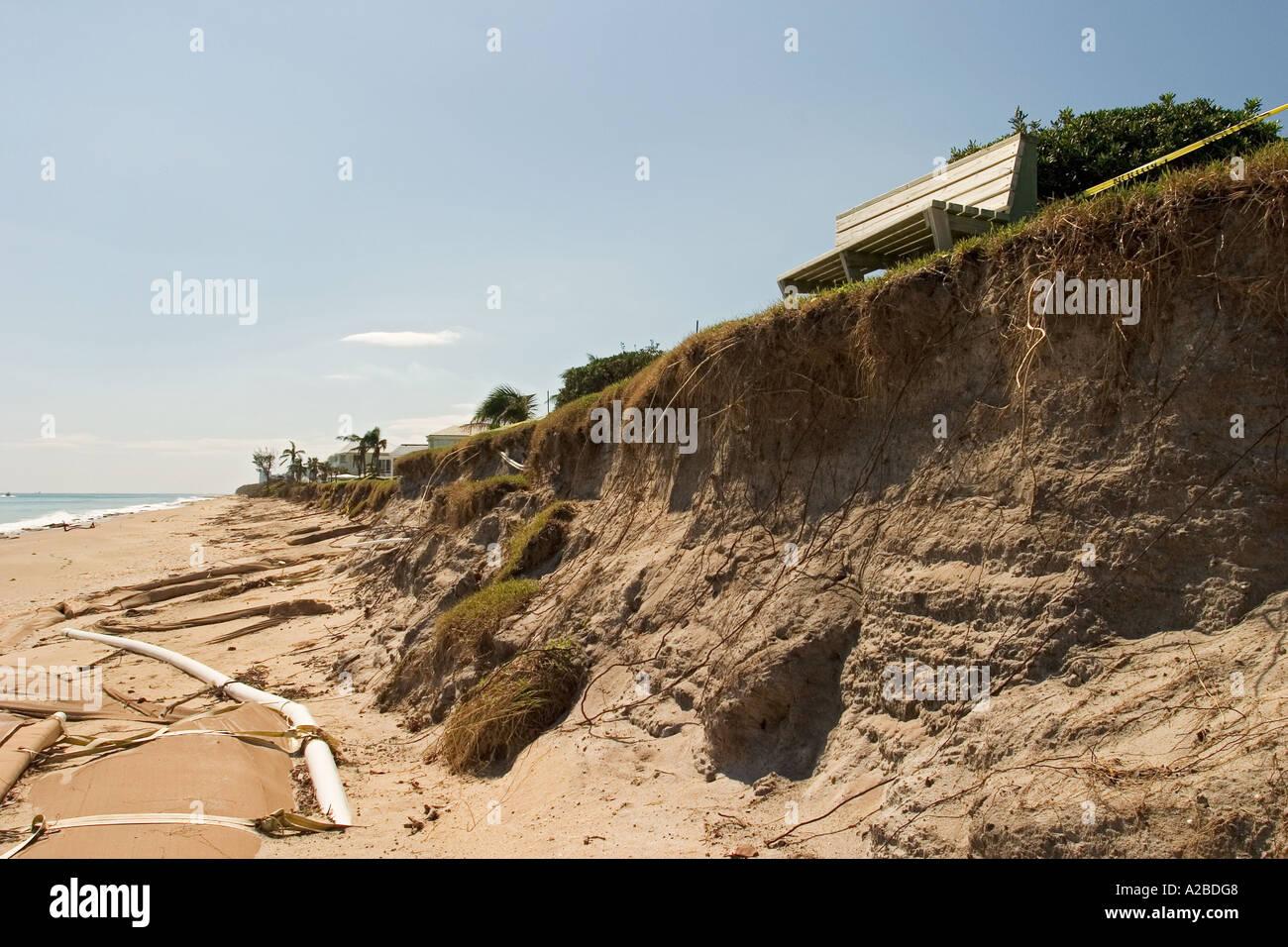 Strand-Erosion und Schutz nach Hurrikan Frances Stockbild