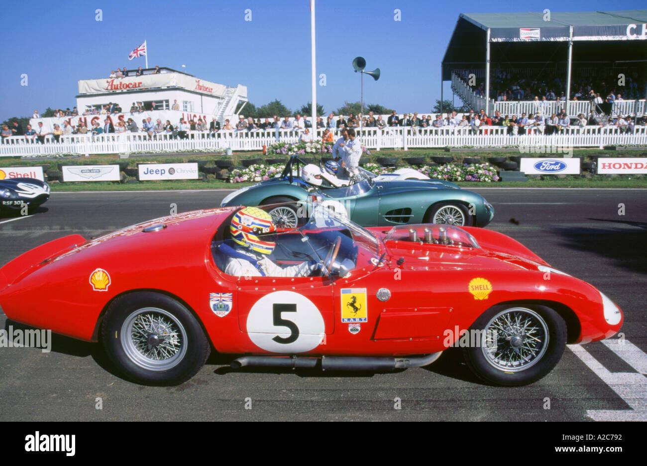 Ferrari am Start Raster 1998 beim Goodwood revival Stockbild